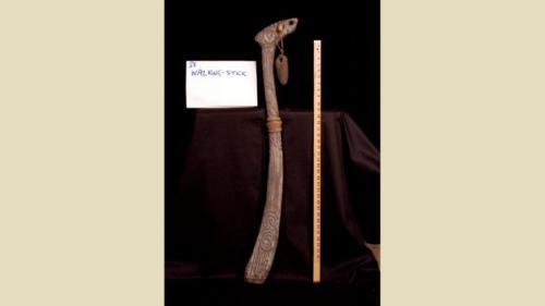 urRu artifact - the walking stick of urTih the Alchemist (undressed)