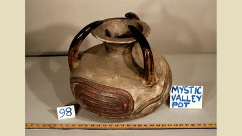 urRu artifact - pot