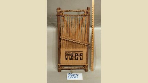 urRu artifact - loom